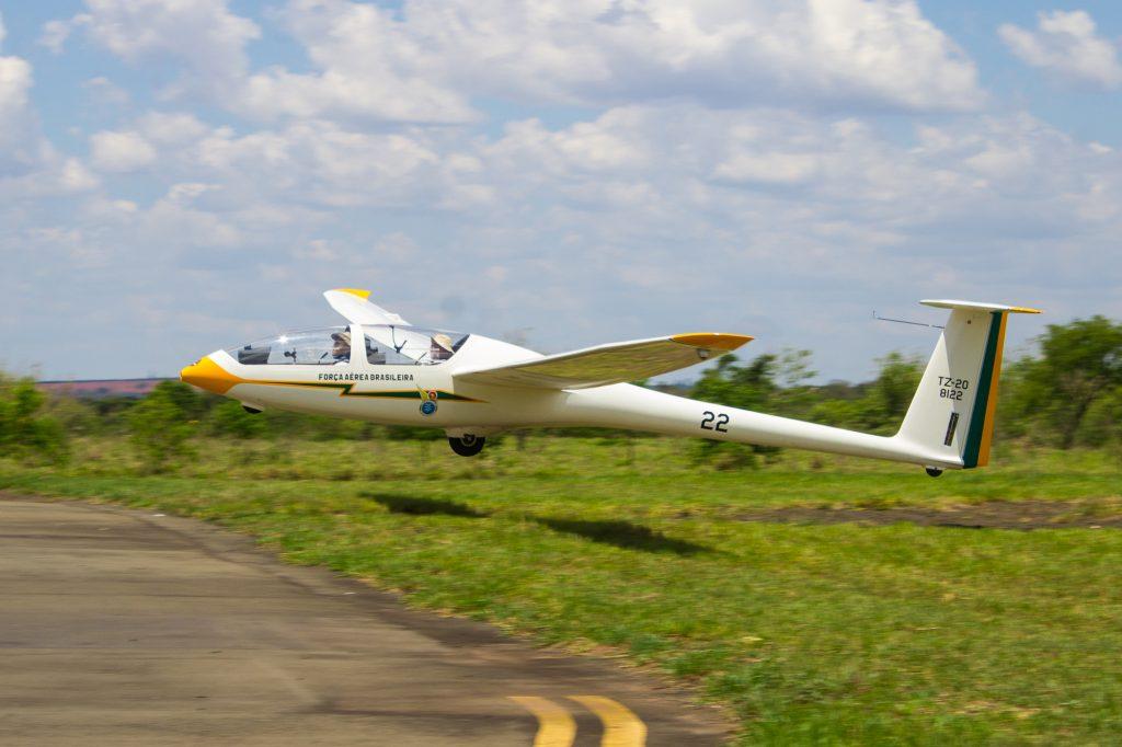 dg1001-landing